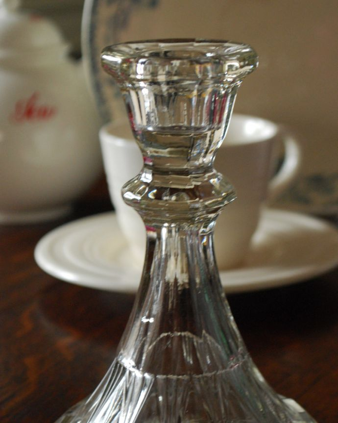 pg-3779 ガラスのキャンドルスタンドのアップ