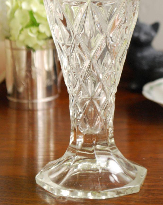 pg-3936 アンティークプレスドグラス(花器)のアップ2