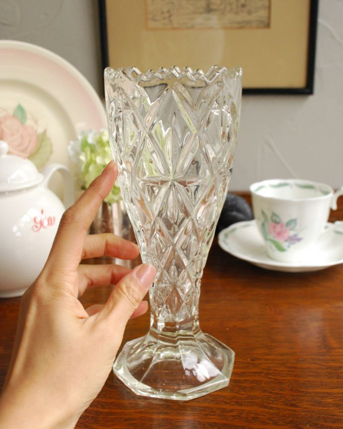 pg-3936 アンティークプレスドグラス(花器)の手入り