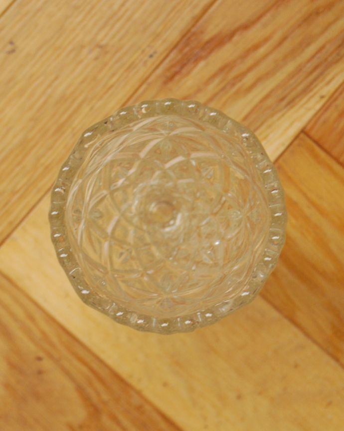 pg-3936 アンティークプレスドグラス(花器)の上から