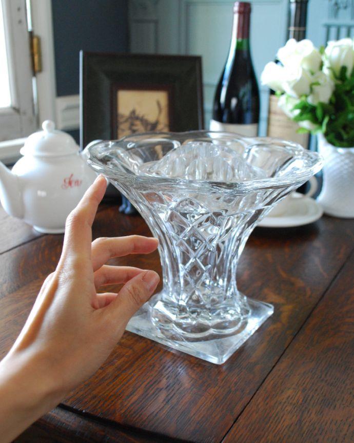 pg-4049 アンティークプレスドグラス(花器)の手入り