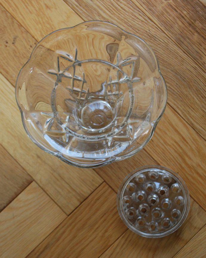 pg-4049 アンティークプレスドグラス(花器)の上から