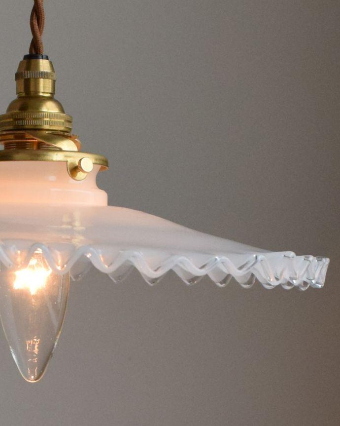 pl-004a ミルクガラスのペンダントライトの点灯時アップ