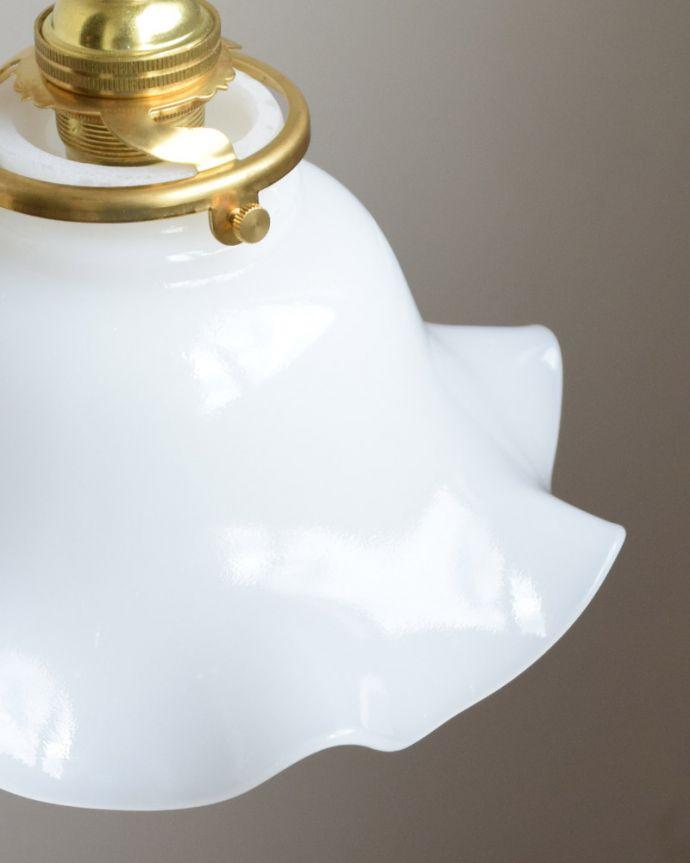 ペンダントライト 照明・ライティング ミルクガラスの可愛いペンダントライト(コード・シャンデリア電球・ギャラリーA付き)。日中もお部屋の可愛いポイントになります。(pl-013a)