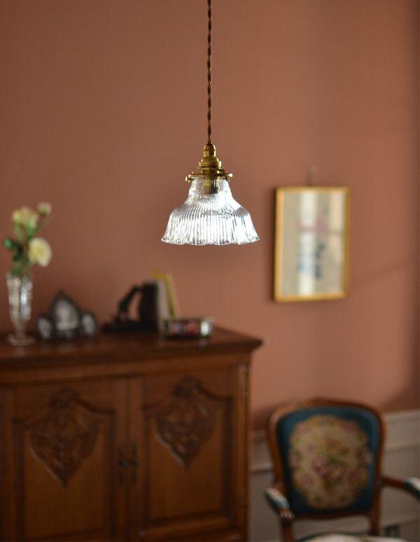 ペンダントライト 照明・ライティング ペンダントライト(コード・シャンデリア電球・ギャラリーA付き)。スカートのようなフリルがとっても可愛いです。(pl-028c)
