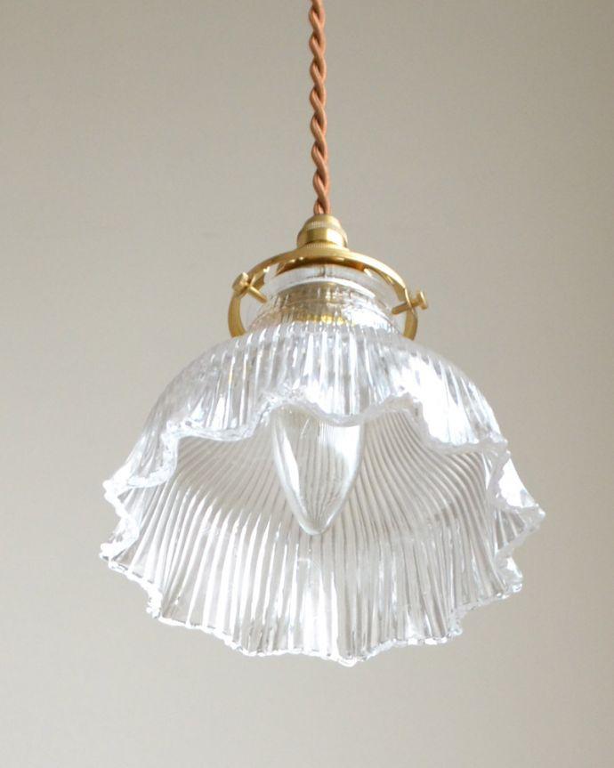 ペンダントライト 照明・ライティング ペンダントライト(コード・シャンデリア電球・ギャラリーA付き)。下から見上げるとこんな感じです。(pl-028c)