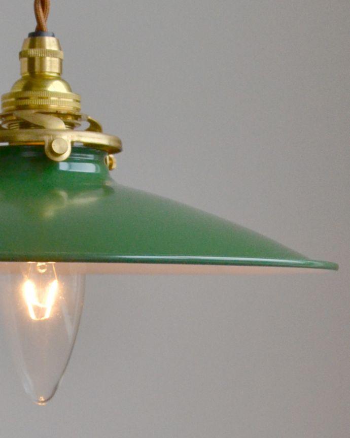 pl-054a ホーローペンダントライト(グリーン)の点灯時アップ