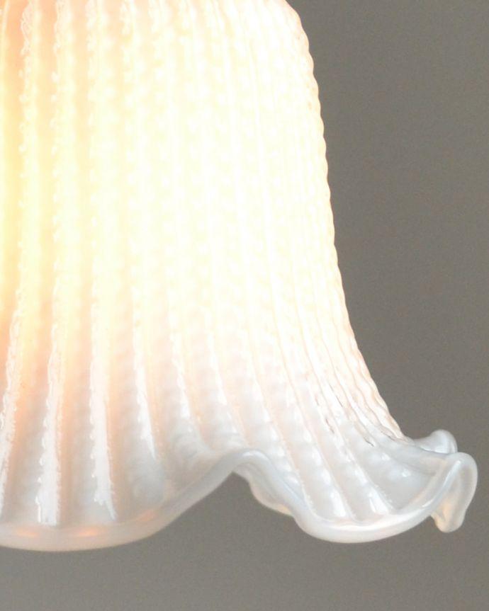 pl-117 すりガラスのペンダントライトの点灯時アップ