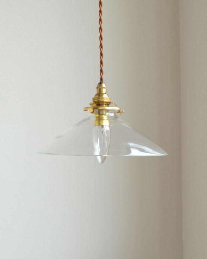 ペンダントライト 照明・ライティング 電球の温かい明かりを楽しめるクリアガラスがキレイなペンダントライト(コード・シャンデリア球・ギャラリーA付き)。在庫が足りない場合でも、お時間を頂ければご準備出来ますので、ご希望の方はご注文の際、備考欄にご希望の数を書いてください。(pl-149)