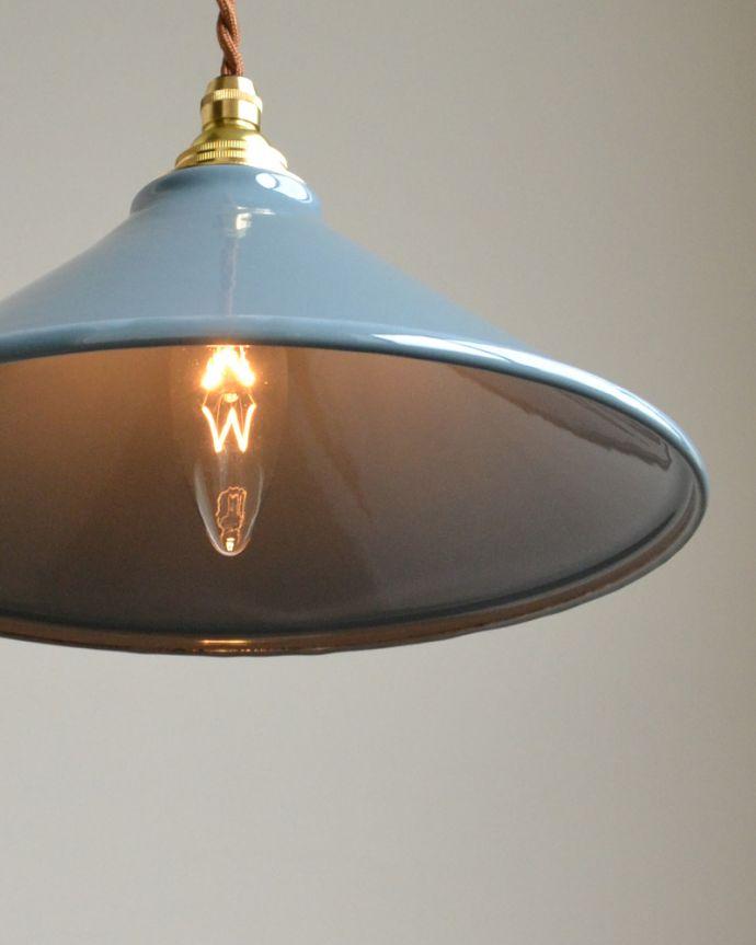 pl-155  琺瑯ペンダントライト(グレー)の点灯