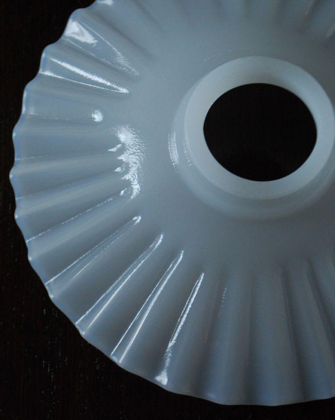 ペンダントライト 照明・ライティング ミルクガラスのシェードペンダントライト(コード・シャンデリア電球・ギャラリーA付き)。。(pl-191)