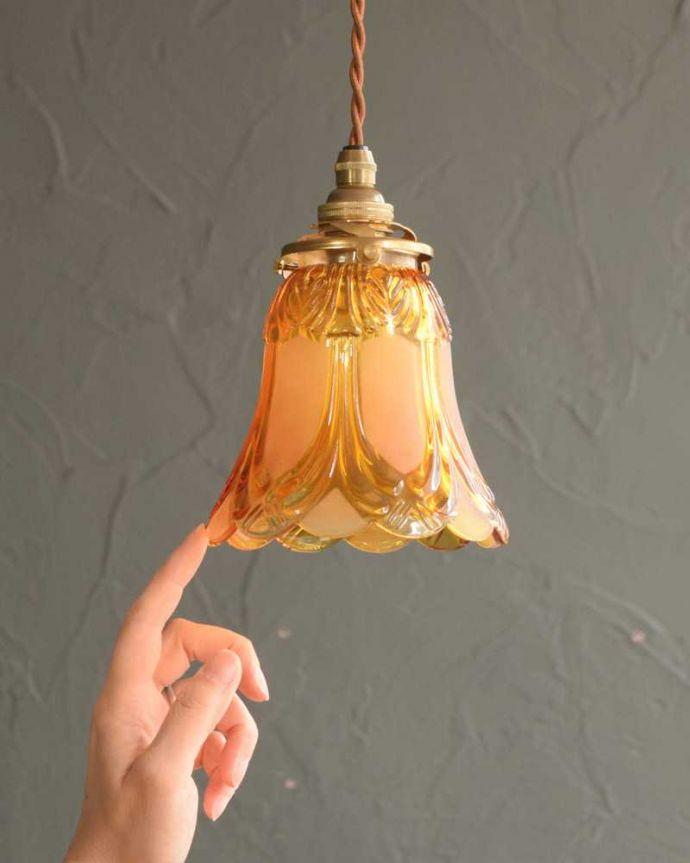 ペンダントライト 照明・ライティング フロストガラスの美しい模様のペンダントライト(コード・シャンデリア電球・ギャラリーA。可愛らしいデザイン&サイズ灯りが点いていない時も可愛いフォルムでお部屋を彩ってくれます。(pl-227)
