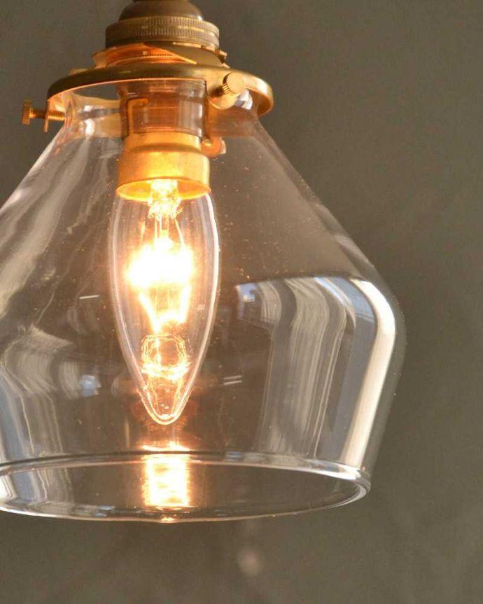 ペンダントライト 照明・ライティング 洋ナシのフォルムが可愛いペンダントライト(クリア色)(コード・シャンデリア電球・ギャラリーA付き)。。(pl-268)