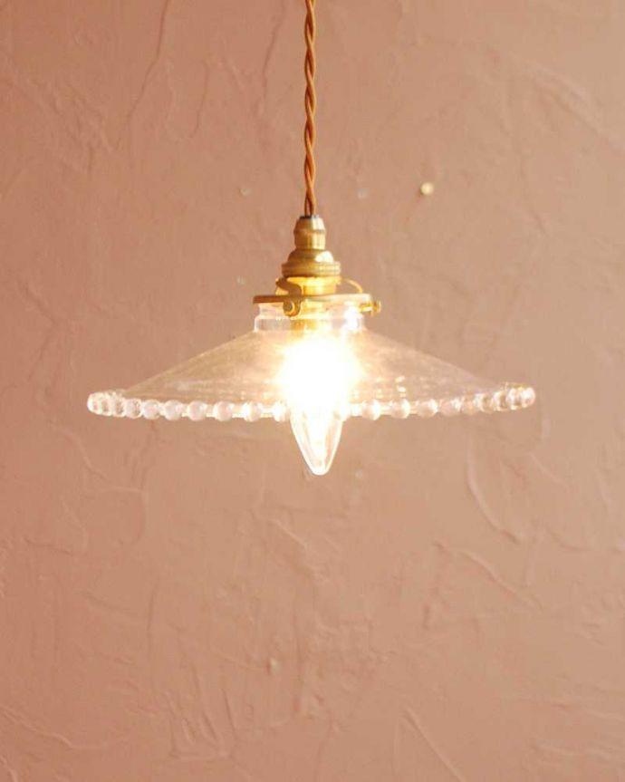 ペンダントライト 照明・ライティング すっきりとしたクリアガラスのペンダントライト(ガラスボールサークル)(コード・シャンデリア電球・ギャラリーA付き) 。お部屋のアクセサリーを楽しんでみませんか?ガラスシェードのペンダントライトは気軽で使いやすく人気の照明器具。(pl-282)