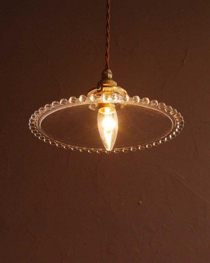 ペンダントライト 照明・ライティング すっきりとしたクリアガラスのペンダントライト(ガラスボールサークル)(コード・シャンデリア電球・ギャラリーA付き) 。灯りを点けると・・・毎日の疲れをホッと癒してくれる灯り。(pl-282)
