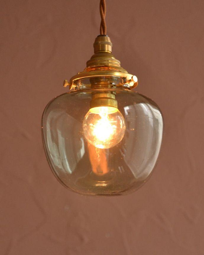 照明・ライティング ガラスシェード・ポム・グリーン お部屋のアクセサリーを楽しんでみませんか?ガラスシェードのペンダントライトは気軽で使いやすく人気の照明器具。(pl-291)