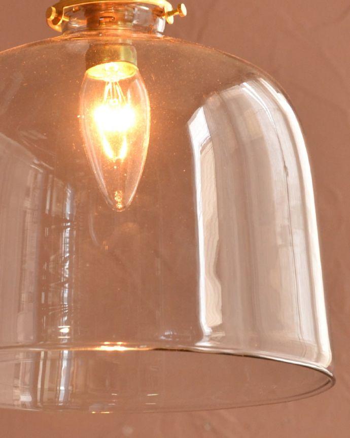 照明・ライティング ガラスシェード・ドーム・グレー 夜になって灯りを点けると・・・ガラスのシェードはとても優しい雰囲気。(pl-293)