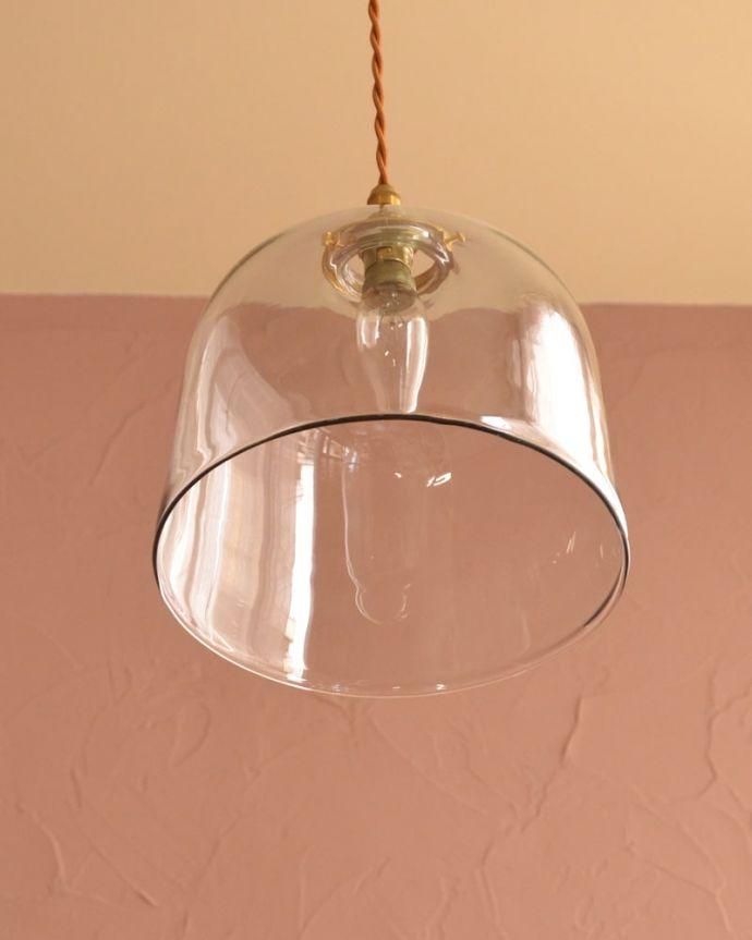 照明・ライティング ガラスシェード・ドーム・グレー 下から見上げると・・・実際に取り付けてカウンターやダイニングの下からのぞくとこんな感じです。(pl-293)