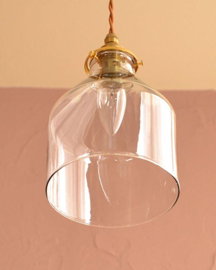 照明・ライティング ガラスシェード・ハウス・グレー 下から見上げると・・・実際に取り付けてカウンターやダイニングの下からのぞくとこんな感じです。(pl-294)