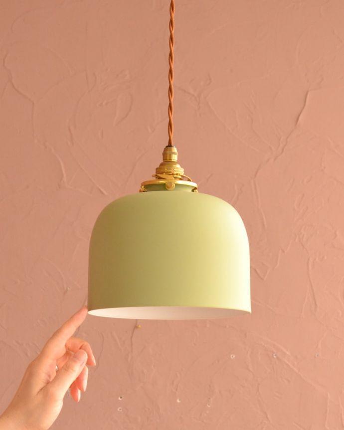 照明・ライティング アイアンシェード・フェズ・モスグリーン お部屋の中をふわっと彩ります小さなペンダントライトは、灯りが付いていない時も目立つ存在。(pl-301)