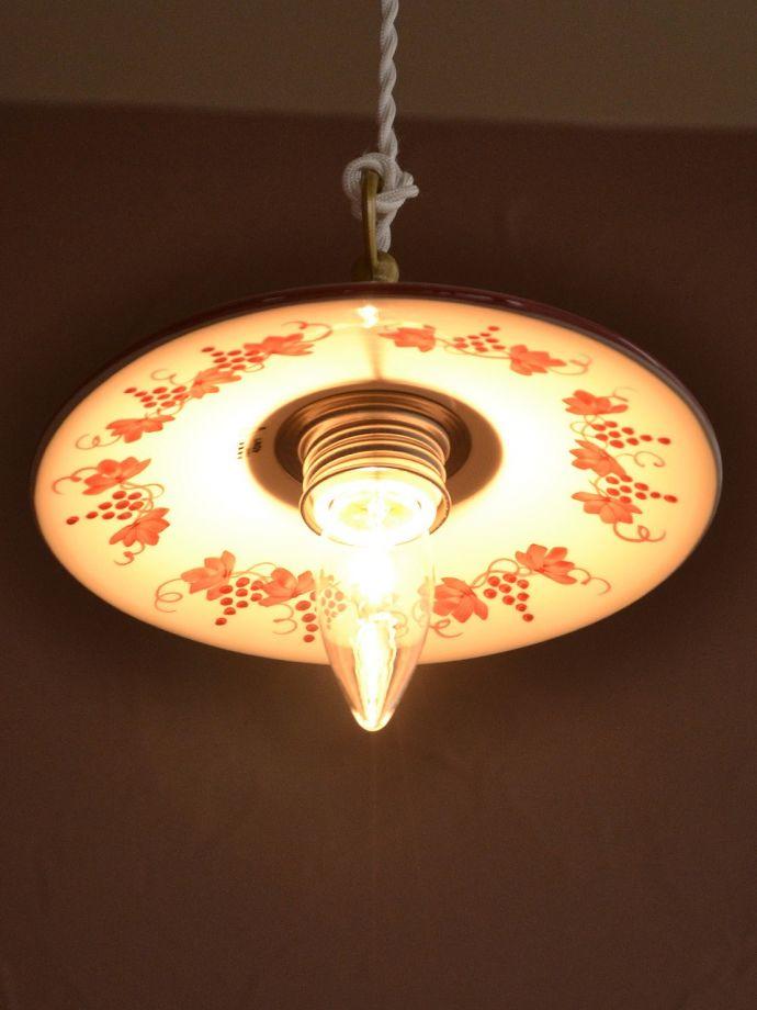 アンティーク風照明の美しい灯り