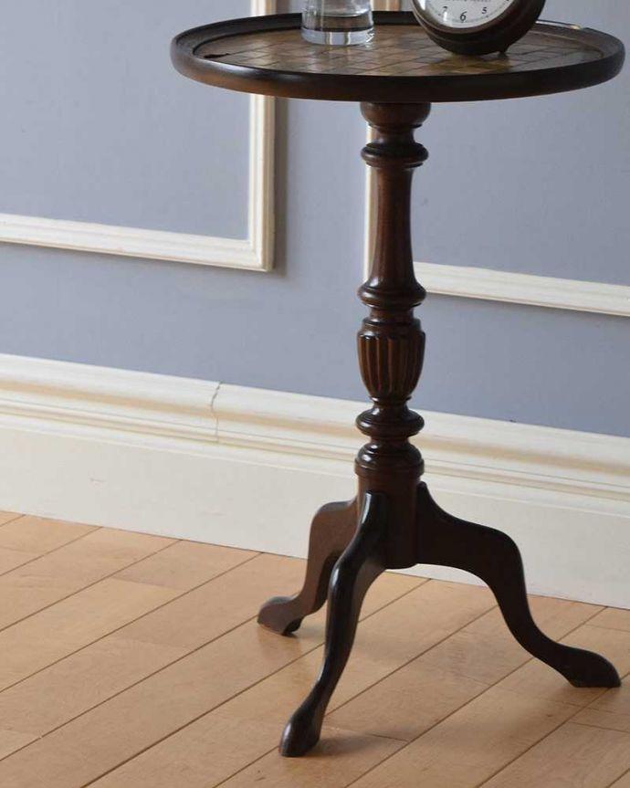 q-1025-f アンティークワインテーブルの脚の装飾