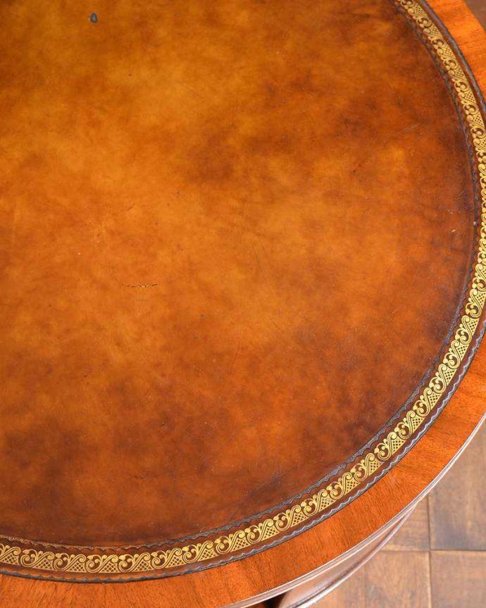 q-1143-f  アンティークラウンドテーブルの天板ズーム