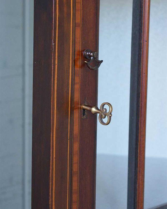 q-1244-f アンティークガラスキャビネットの鍵穴
