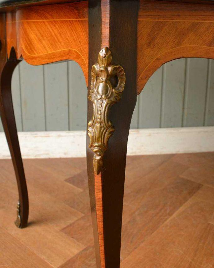 q-1419-f  アンティークコーヒーテーブルの装飾2