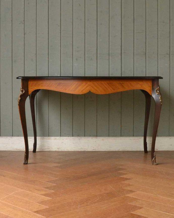 q-1419-f フレンチコーヒーテーブルの後ろ