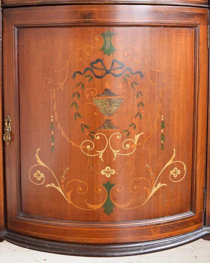 q-1430-f アンティークサイドボードの装飾2
