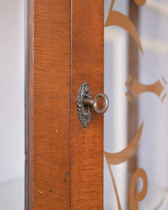 q-1439-f アンティークガラスキャビネットの鍵