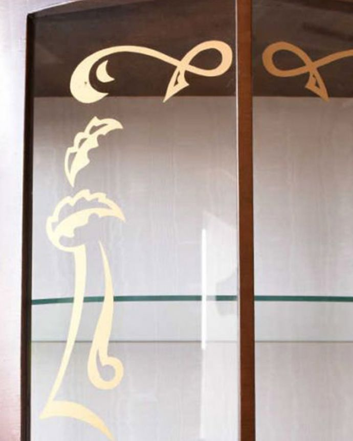 q-1439-f アンティークガラスキャビネットの装飾