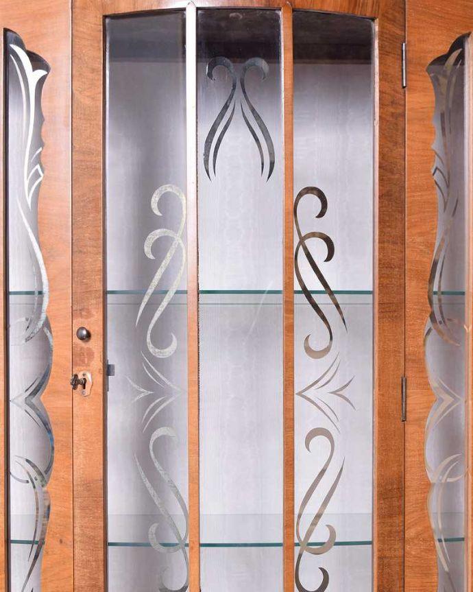 q-1443-f アンティークガラスキャビネットの扉装飾
