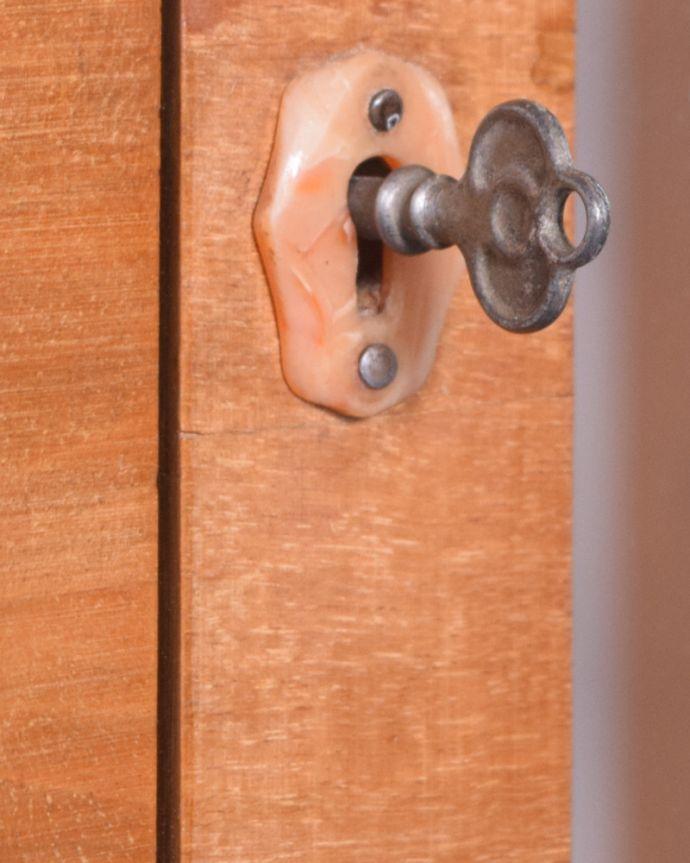 q-1443-f アンティークガラスキャビネットの鍵(取っ手)