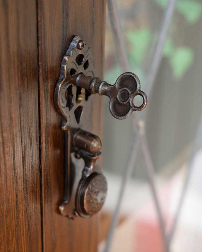 q-1501-f アンティークブックケースの鍵(取っ手)