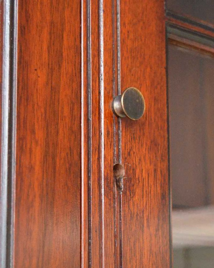 q-1505-f アンティークビューローブックケースの扉の取っ手・鍵