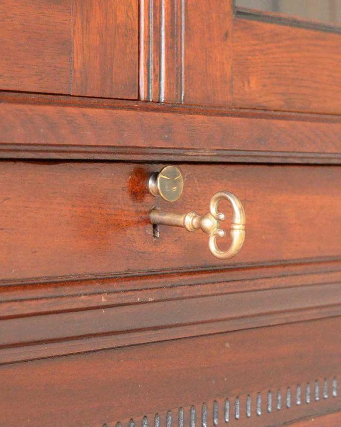q-1505-f アンティークビューローブックケースのビューロー部分の鍵