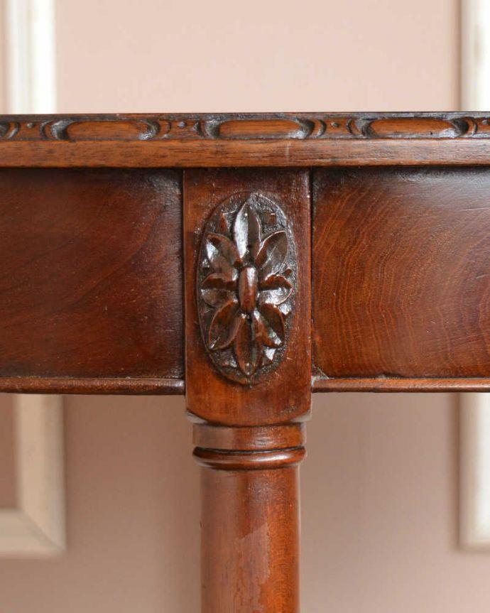 q-1516-f  アンティークオケージョナルテーブルの装飾1