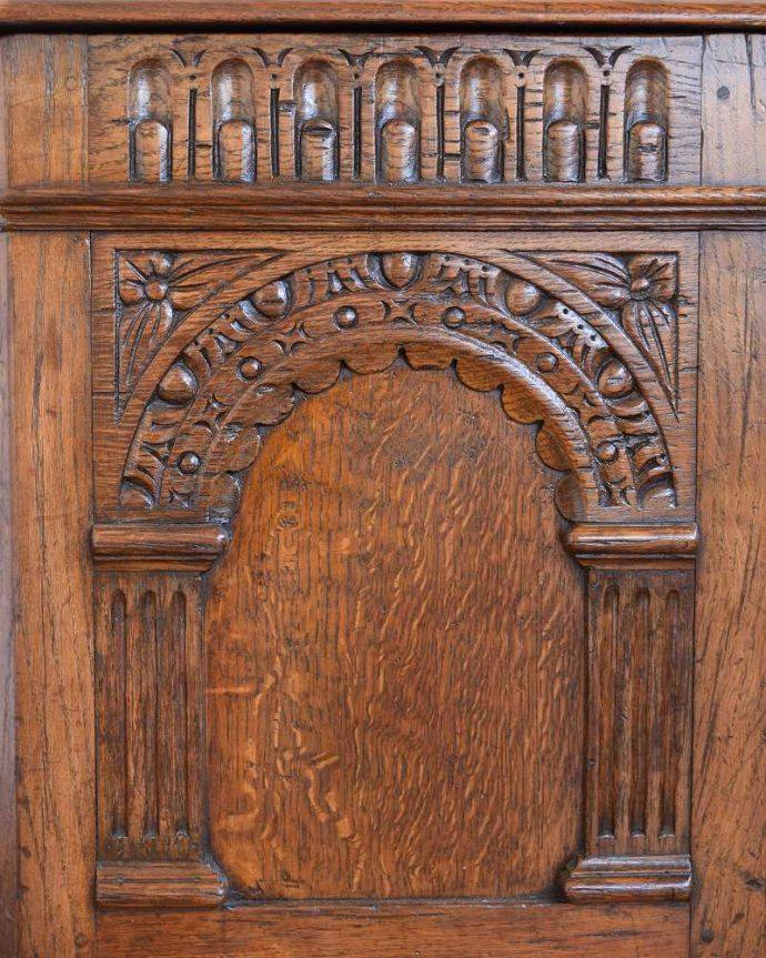 q-1543-f アンティークコファの彫り