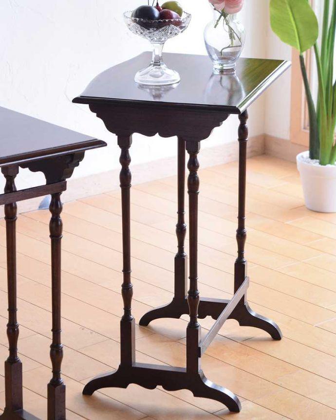 q-1559-f アンティークネストテーブルのアップ