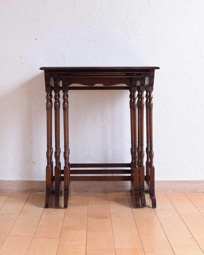 q-1559-f  アンティークネストテーブルの横