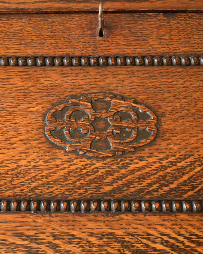 q-1573-f アンティークビューローブックケースの装飾1