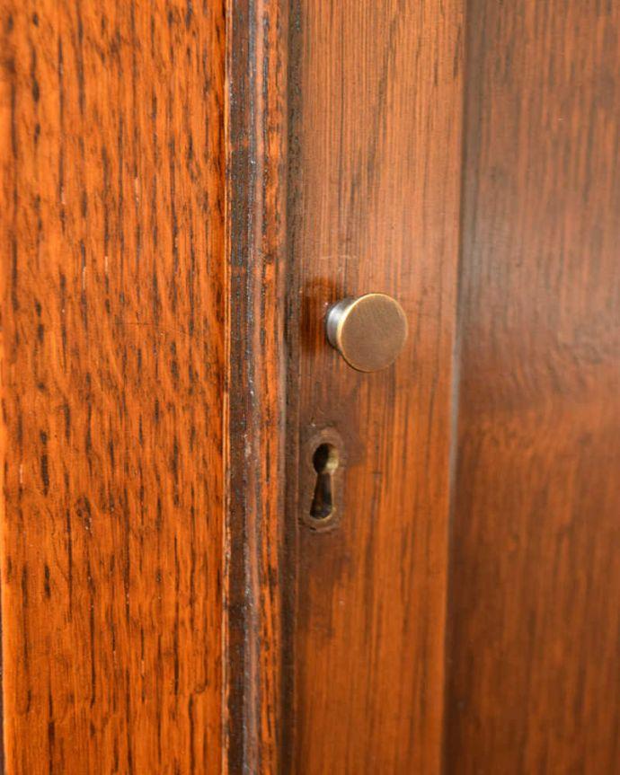 q-1573-f アンティークビューローブックケースの扉の取っ手・鍵