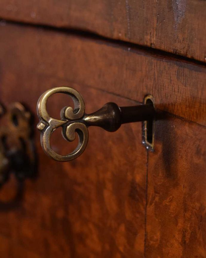 q-1598-f アンティークデスクの鍵