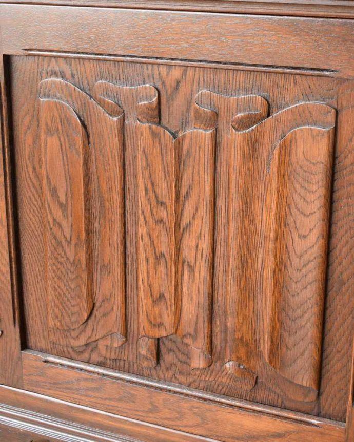 q-1622-f アンティークキャビネットの装飾2