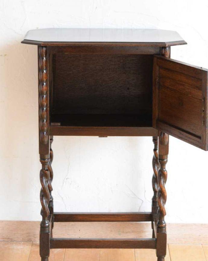q-1623-f アンティークナイトテーブルの内部