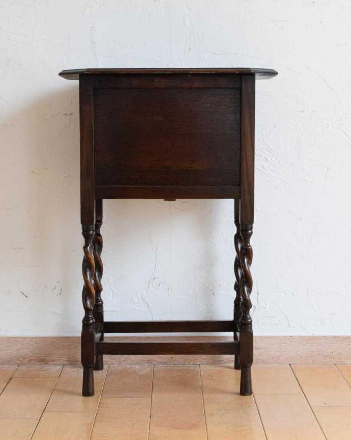 q-1623-f アンティークナイトテーブルの後ろ