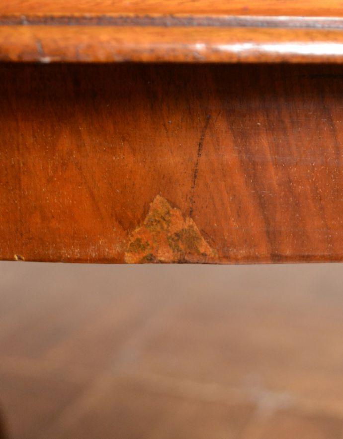 j-1625-f アンティークセンターテーブル(円型)のキズ