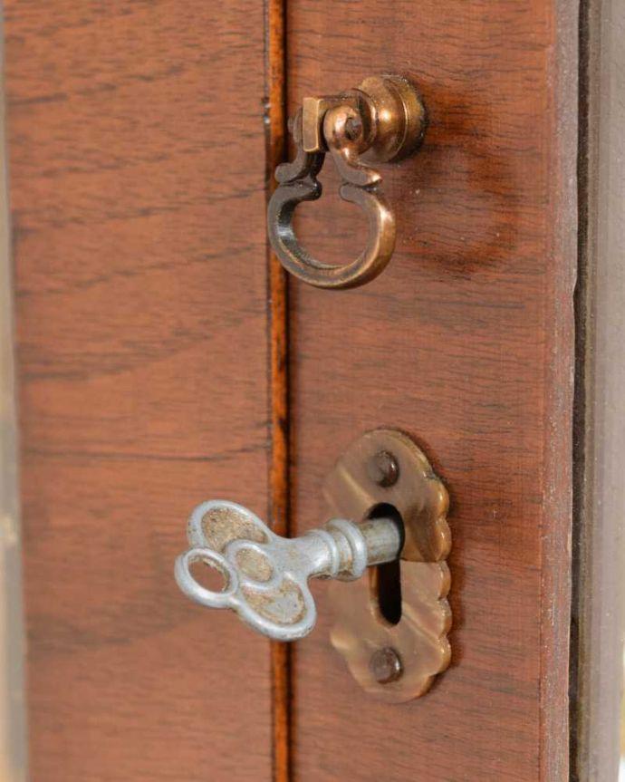 q-1630-f アンティークガラスキャビネットの鍵(取っ手)